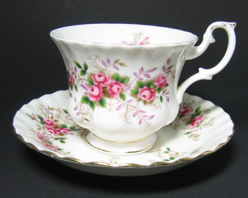 royal albert lavender rose tea cup and saucer vintage bone china lavender rose