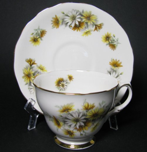 Colclough Daisies Teacup and Saucer