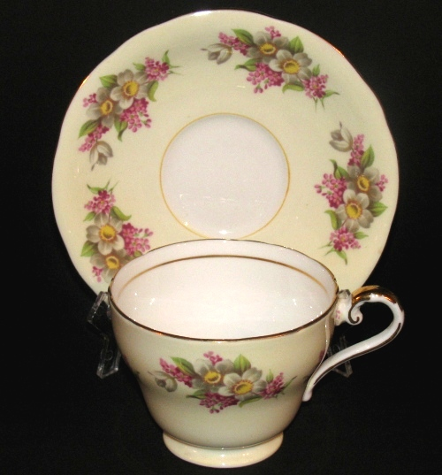 Aynsley Pastel Yellow Floral Blossoms Teacup and Saucer
