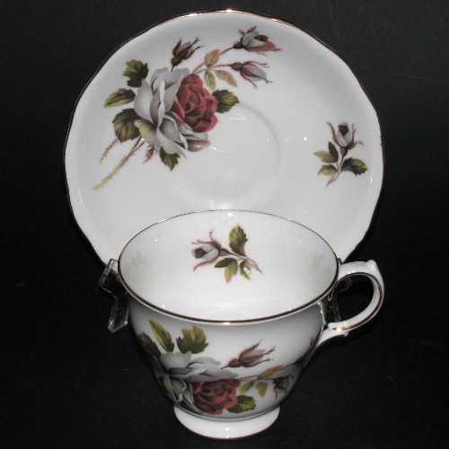 Queen Anne Red White Roses Teacup
