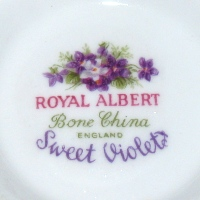 Royal Albert Sweet Violet