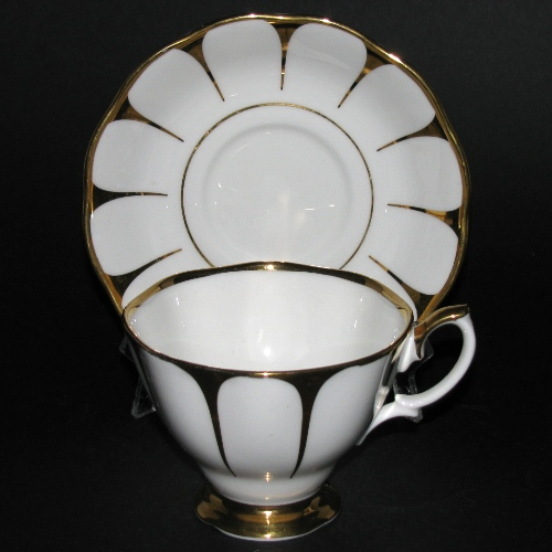 Royal Vale Gold Gilt Daisy Pattern Teacup and Saucer