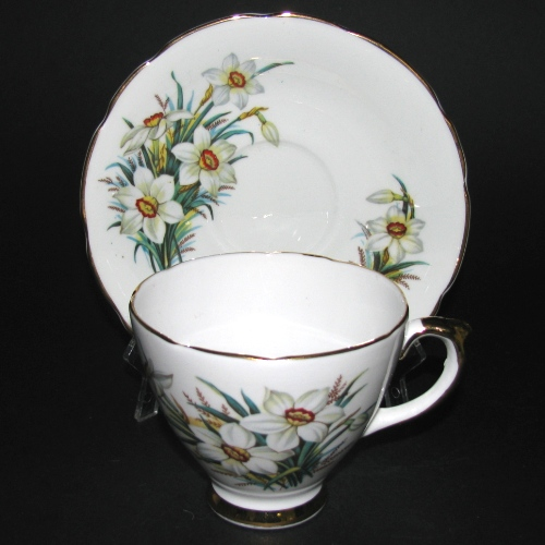 Delphine White Flowers Teacup