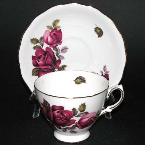 Red Rose Teacup