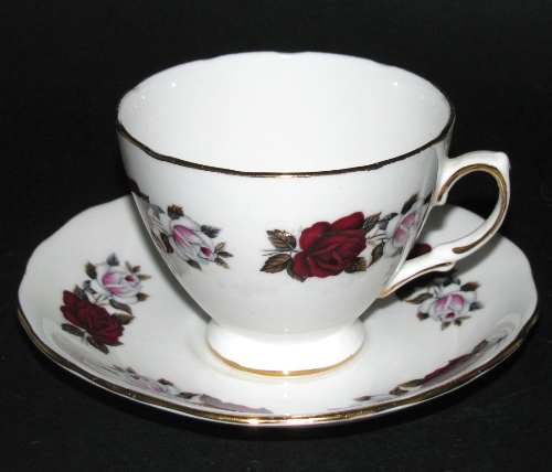 Red White Roses Teacup