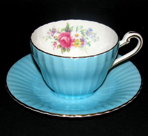 Paragon Bue Ribbed Floral Teacup