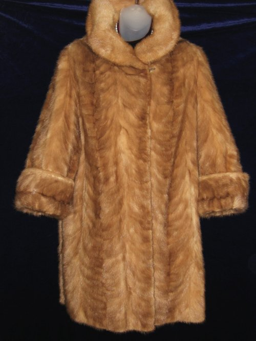 Stylish Glossy Patterned Mink