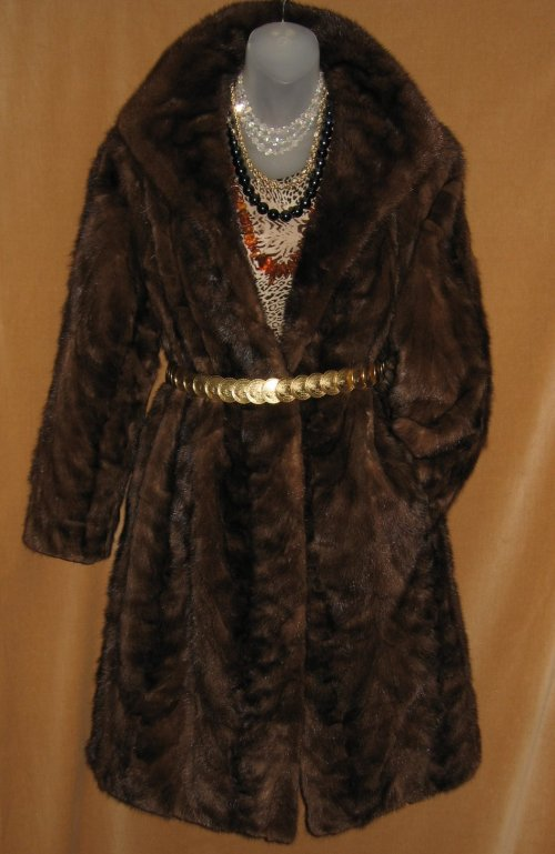 83ba78bd0a7 Vintage Fur Coats Stoles and Capes at Classy Option - Vintage ...