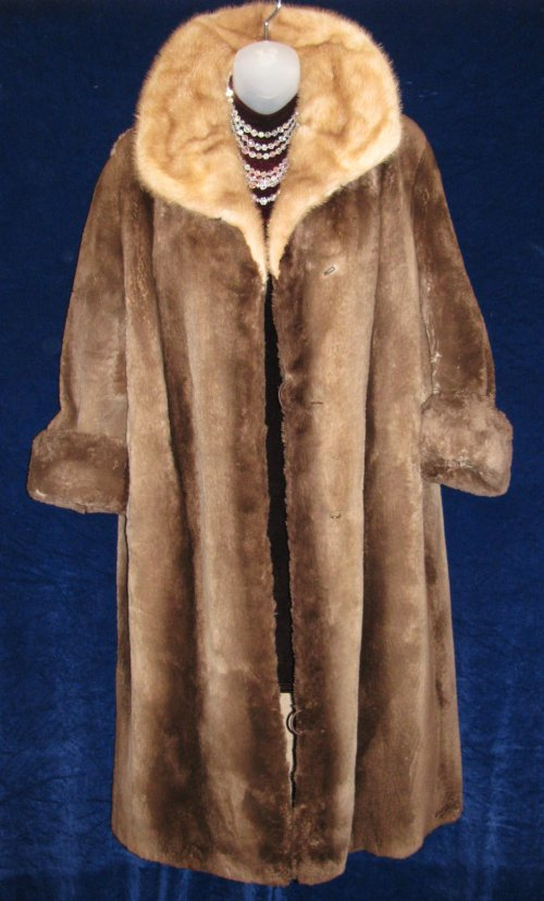 Sheared Phantom Beaver Fur Coat Mink Collar