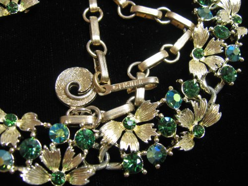 Vintage Lisner Green Rhinestone Necklace