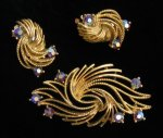 Vintage Lisner Brooch and Earrings Set