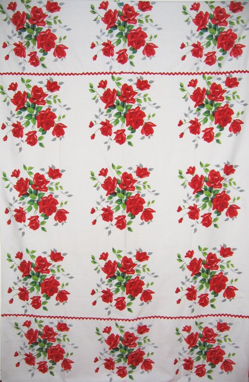 Wilendur American Beauty Tablecloth and Napkins