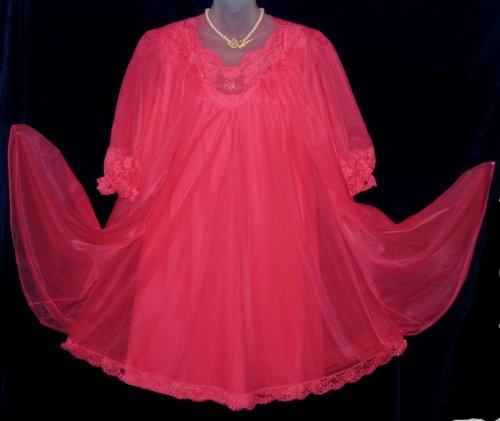 Vanity Fair Nightgown and Robe Pink