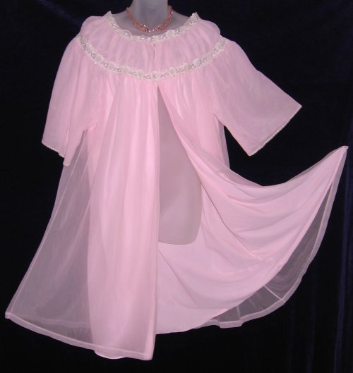 Pink Vanity Fair Peignoir