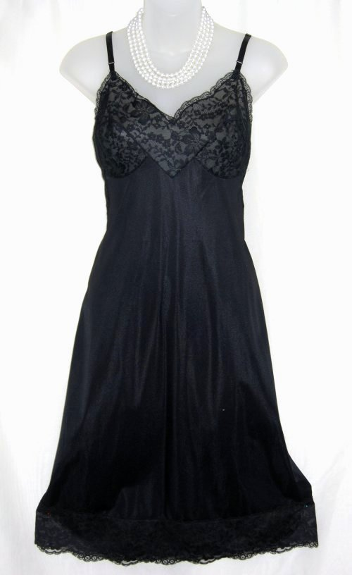 620bdccb2 Vanity Fair Black Lace Full Slip at Classy Option - Vintage Nylon Tricot