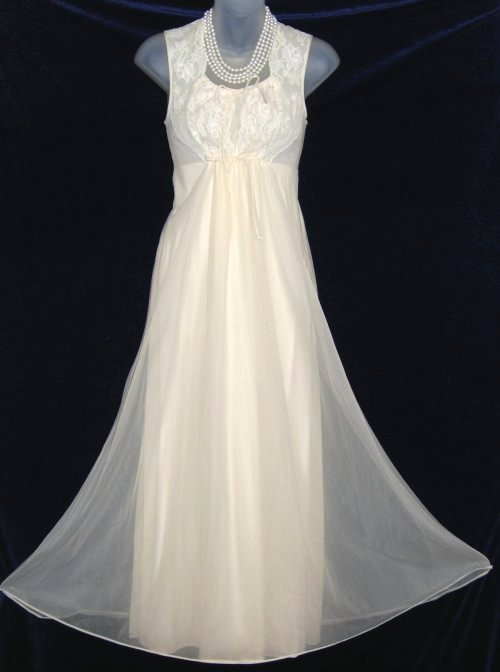 Shadowline Antique White Lace Nightgown
